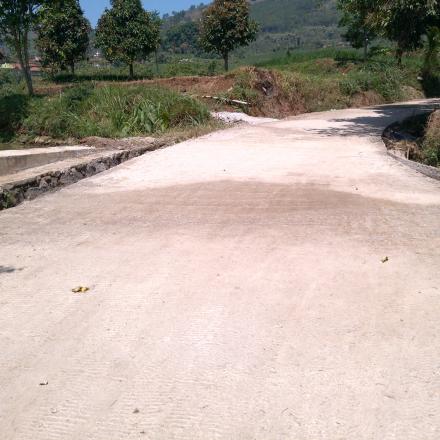 Kegiatan Pembangunan Rabat Beton Jalan Desa Kp Curug Dedes